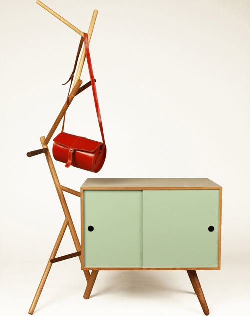 the show off. Black Bedroom Furniture Sets. Home Design Ideas