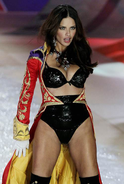 Adriana Lima Victoria S Secret Fashion Show