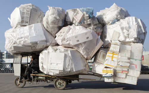 Chinas-overloaded-delivery-vehicles