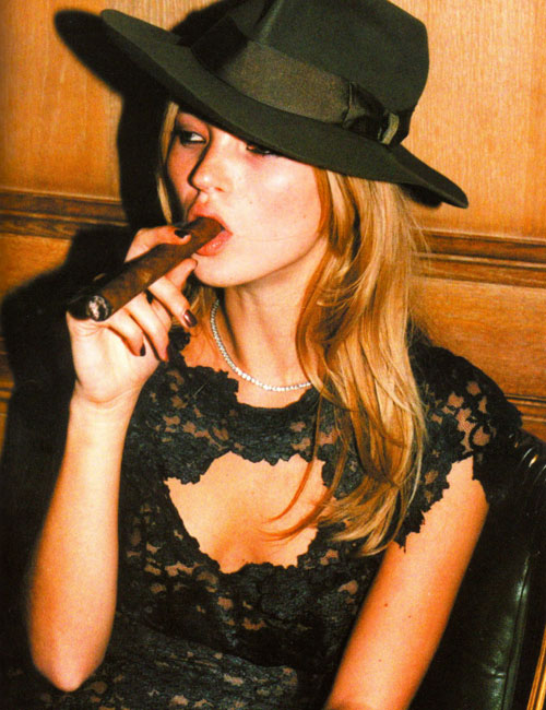 kate-moss-cigar