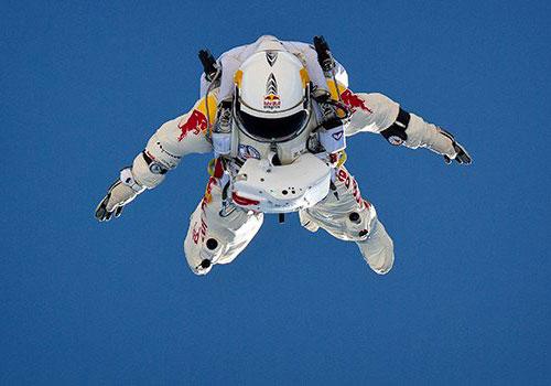 space-jump-skydive-red-bull-stratos-felix-baumgartner