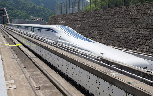 japanese-bullet-train-310-mph