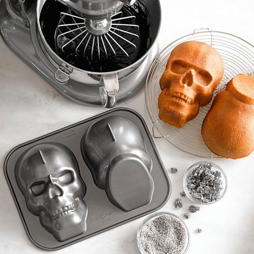 skull-cake-pan-3