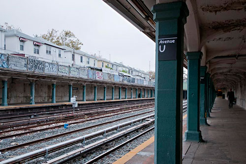 Comic-Sans-Subway-NY-Avenue-U