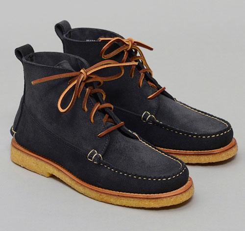 grey-boot-navy