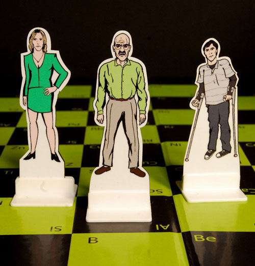 breaking-bad-chess-set-02