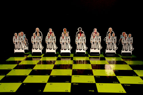 breaking-bad-chess-set-03