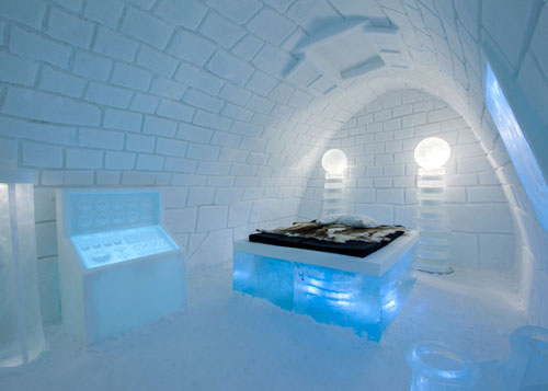 ice-hotel-frankenstein