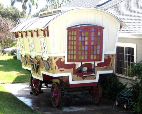 big-top-pee-wee-gypsy-wagon-03