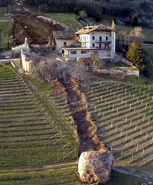 boulder-runs-through-an-italian-farmhouse
