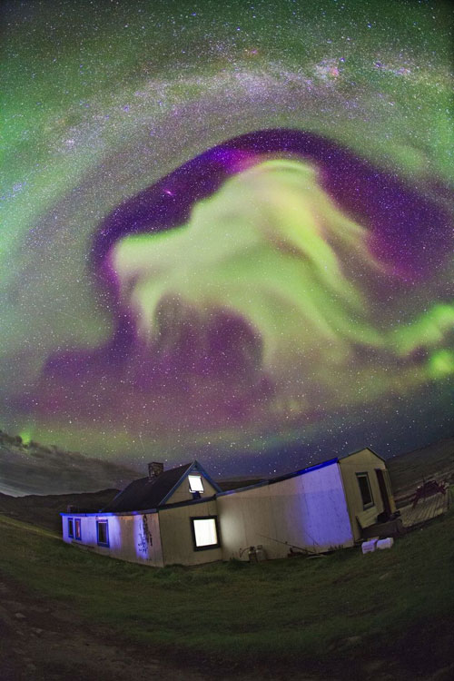 northern-lights-dragon-game-of-thrones