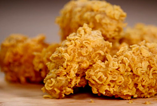 ramen-crusted-chicken-wings