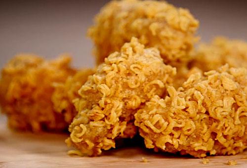 ramen-crusted-chicken-wings