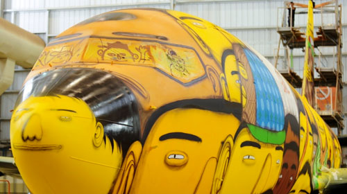os-gemeos-world-cup-plane-6