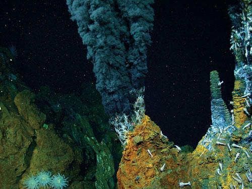 hydrothermal-vent-mining-ocean