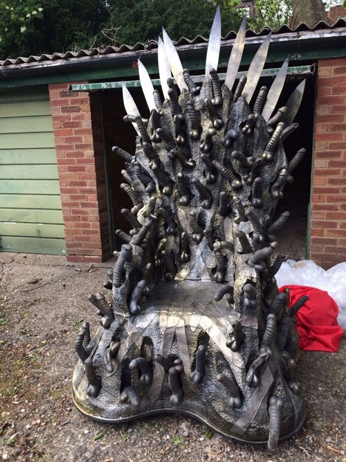 gmae-of-thrones-dildo-throne
