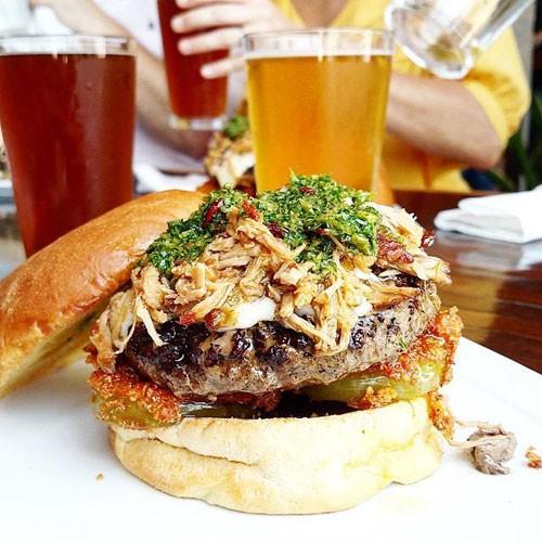 oinkster-la-parka-burger