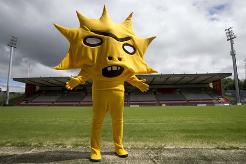 kingsley-david-shrigley-soccer-mascot