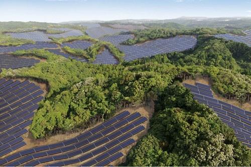 solar-panel-golf-course-japan