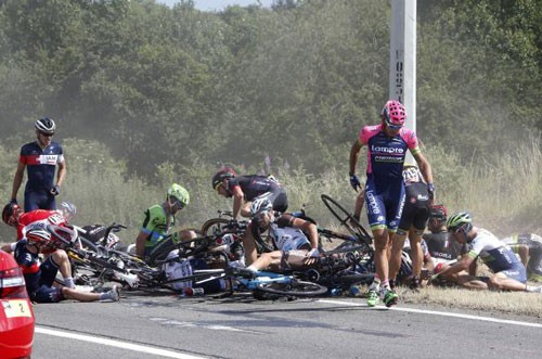 tour-de-france-crash