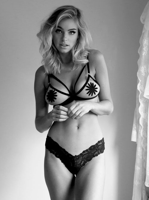 good looking girls bikini