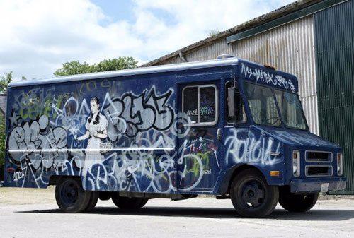 Banksy-swat-van-4