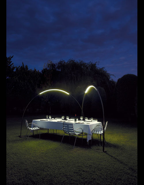 Modern Outdoor Lighting Design: Modern Outdoor Dinner Party Lighting